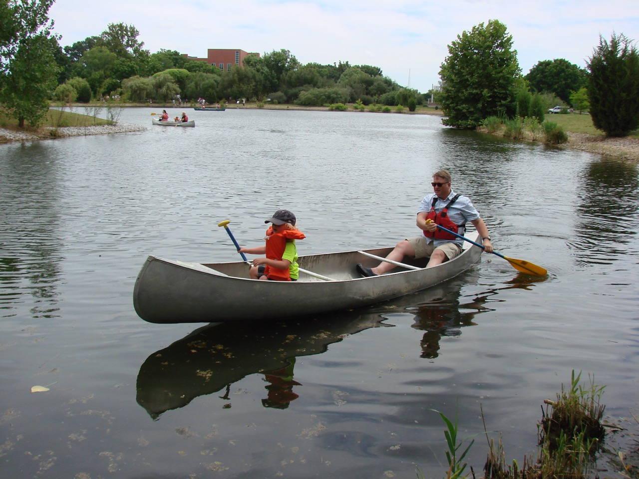 Chadwick Arboretum: Two in a Canoe - Phot Sherrill Massey